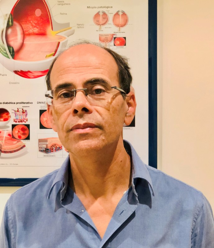 Dr. Eduardo Lares